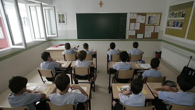 Alumnos de un centro de educación diferenciada por sexos