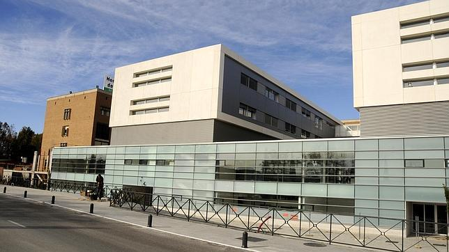 Al fondo, el viejo edificio de Parapléjicos y en primer plano, las nuevas instalaciones