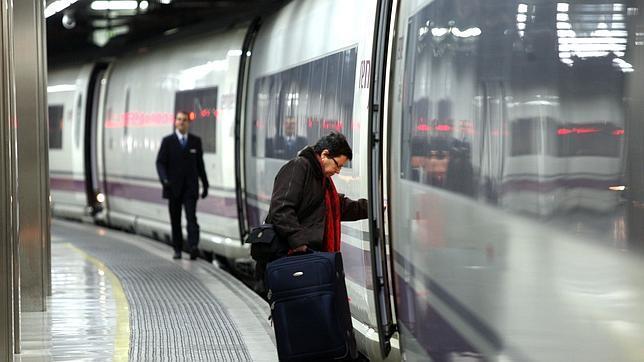 Ave directo barcelona par s vuelo a francia sin coger el for Vuelos paris bcn