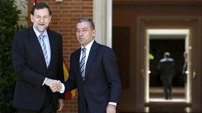 Paulino Rivero habla de un supuesto brote «separatista» en una carta enviada a Rajoy y al Rey