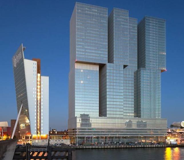 Vista del edificio De Rotterdam, a orillas del río Maas