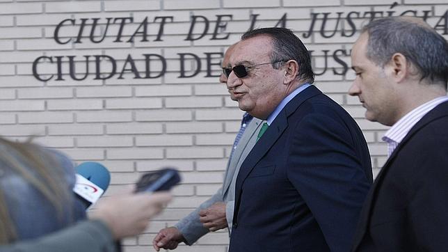 Carlos Fabra, condenado a cuatro años de cárcel por delitos contra la Hacienda Pública
