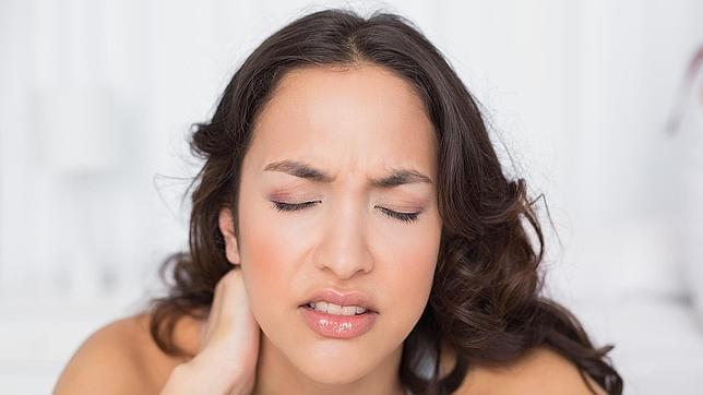 DOLOR MUSCULAR. Los dolores musculares son frecuentes en la gripe, preferentemente en los músculos largos de las extremidades y de la espalda y pueden ir acompañados de dolores articulares, pero inusuales en el resfriafo
