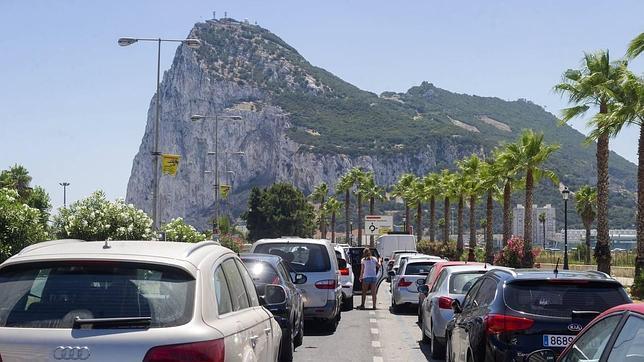 España niega que se haya violado la valija diplomática británica