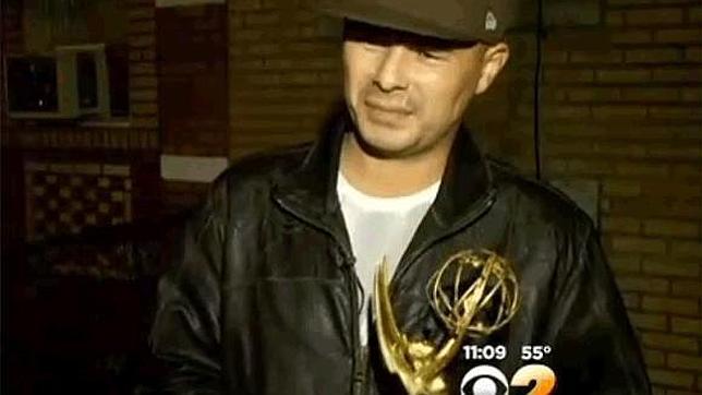 ¿De quién es el Emmy encontrado en la basura?