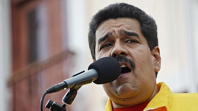 Maduro anuncia que obligará por decreto a bajar los precios de los automóviles