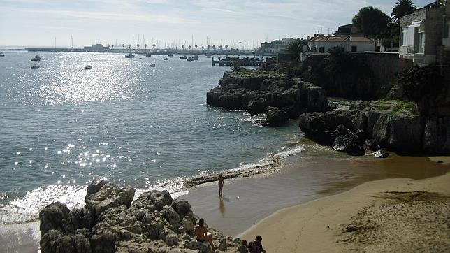 Costa de Estoril: cercana, plácida