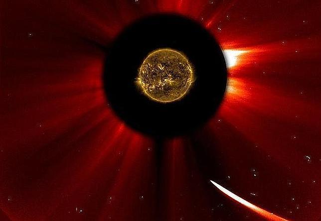 El cometa Ison puede haberse roto en su vuelo suicida