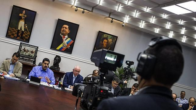 Maduro ordena encarcelar a los comerciantes que suban los precios