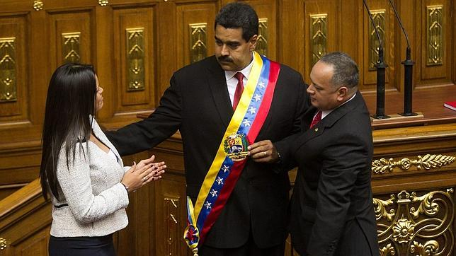 Las hijas de Chávez abandonan La Casona