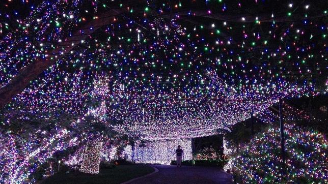 Récord Guinness de la Navidad: así es la casa de las 502.165 bombillas