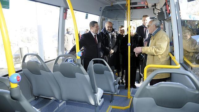 El Casco Histórico estrena dos microbuses para el transporte urbano