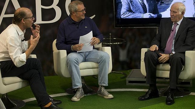 Luis Aragonés anuncia que no entrenará más... y luego lo desmiente