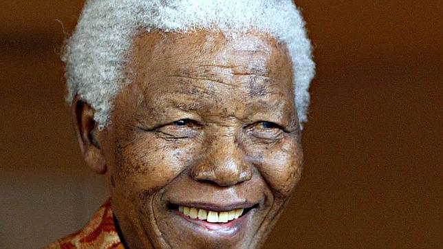 Muere Nelson Mandela a los 95 años en su residencia de Sudáfrica