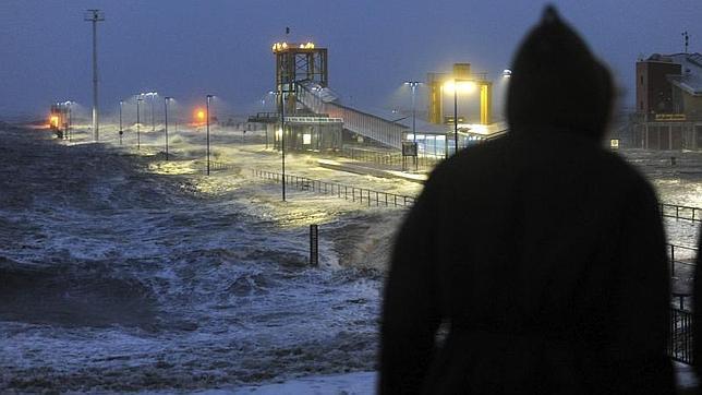 La tormenta Xaver se cobra nueve vidas a su paso por el norte de Europa