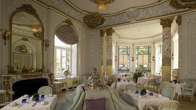 Cada sala del Pestana Palace está decorada al detalle