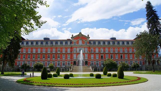Este renovado palacio ofrece un completo programa para despedir el año
