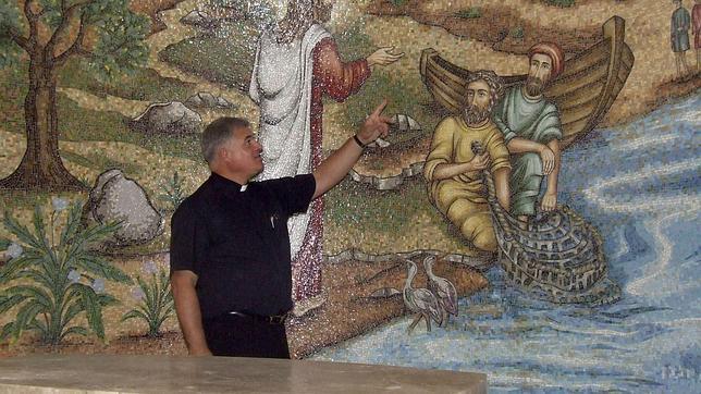 El padre Juan María Solana dirige el proyecto en nombre de los Legionarios de Cristo