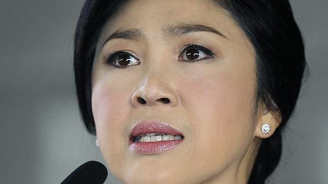 La primera ministra de Tailandia, entre lágrimas: «¿Queréis que no vuelva a pisar el país?»