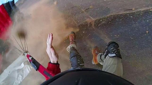 El salto en paracaídas más angustioso de la historia