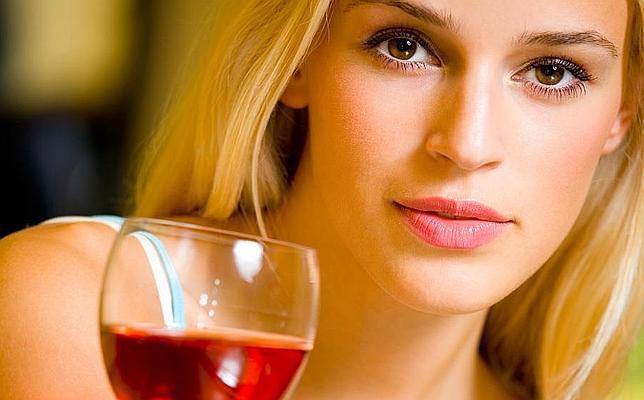 Diez beneficios del vino tinto que probablemente desconocías