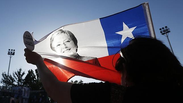 El Chile que hereda Bachelet: menos crecimiento y más desigualdad