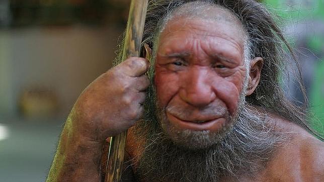 Los neandertales enterraban a sus muertos