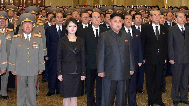 La mujer del dictador coreano reaparece en el aniversario de la muerte del «Querido Líder»