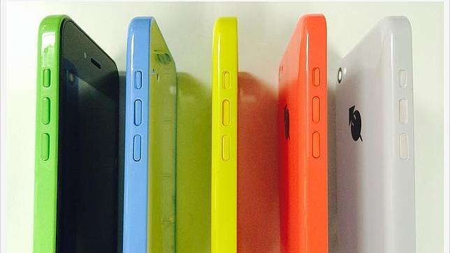 ioPhone: llega desde Japón el clon del iPhone 5C pero con Android