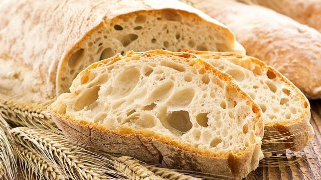 ¿Cuánto pan se recomienda comer al día?
