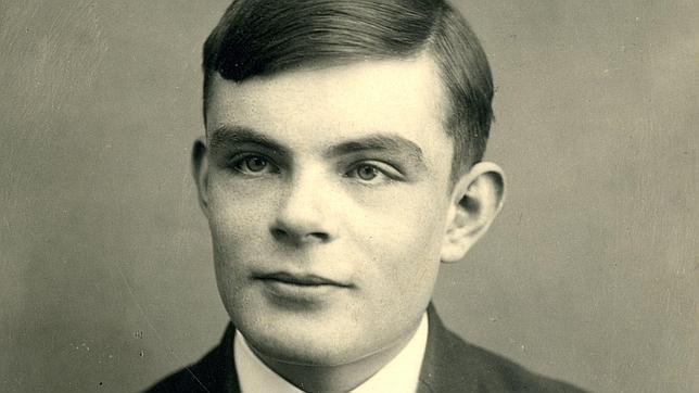 Isabel II concede el perdón real al descifrador de Enigma Alan Turing