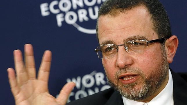 Detienen al exprimer ministro egipcio Hisham Qandil cuando intentaba escapar a Sudán