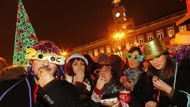 As se celebra la navidad en la espa a de las autonom as for Puerta del sol uvas