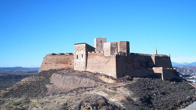 http://www.abc.es/Media/201312/30/castillo_monzon2--644x362.jpg