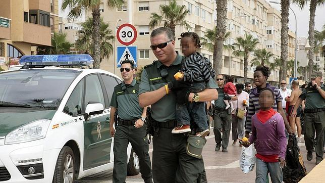Se estanca la llegada de inmigrantes por mar, aunque hay un repunte en Ceuta y Melilla