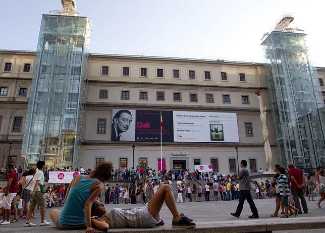 El Reina Sofía recibió 3.184.640 visitantes en 2013, récord histórico en un museo español