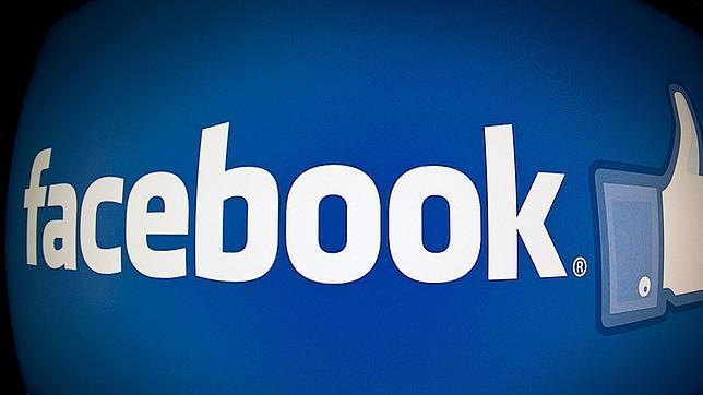 Facebook, acusada de compartir los mensajes privados para publicidad