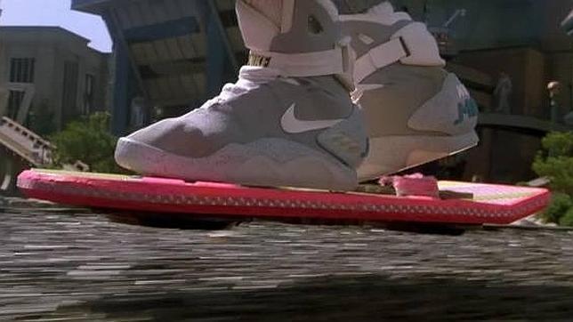 aeropatin, levitación magnética, regreso al futuro, inventos, novedad, lexus, hoverboard