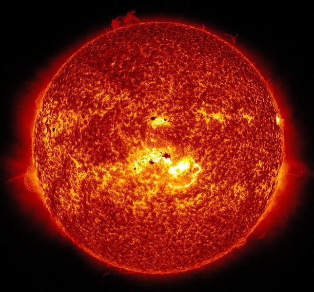Un bombazo solar alcanzará mañana jueves 9 de enero la Tierra