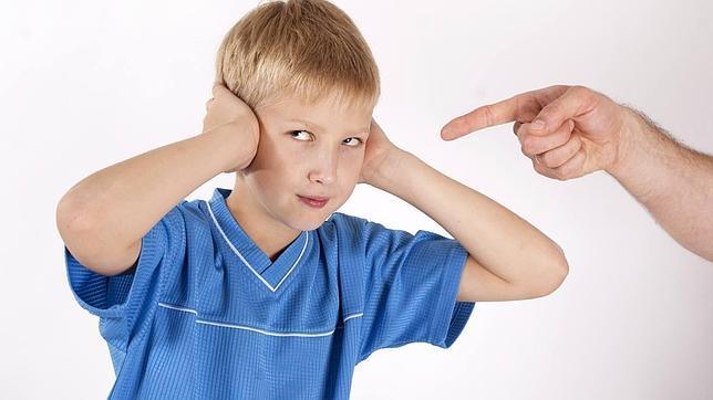 ¿Tu hijo te reta? Ocho pautas para afrontarlo