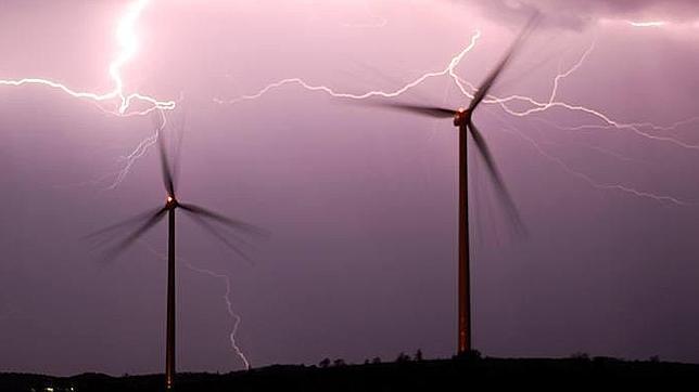 Los días de más viento desciende el precio de la energía