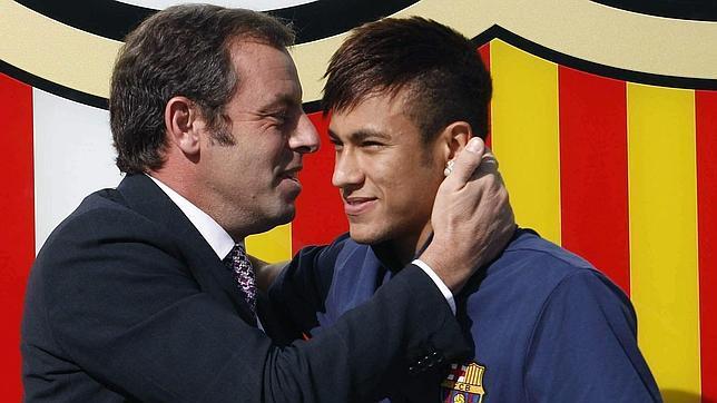 La Fiscalía pide que se admita la querella contra Rosell por el fichaje de Neymar