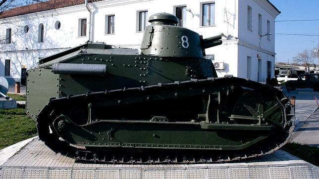 «Renault FT», el carro de combate que luchó en la Guerra Civil y contra Hitler