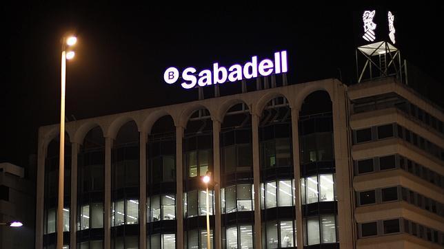 sede central del sabadell cam en alicante