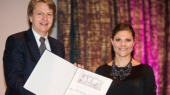Victoria de Suecia junto a Stein Erik Waelgaard, ganador del Premio Tobías