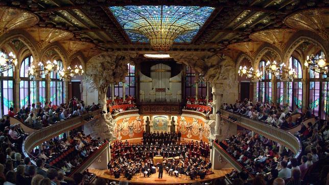 El Palau de Música, lleno de luz y color