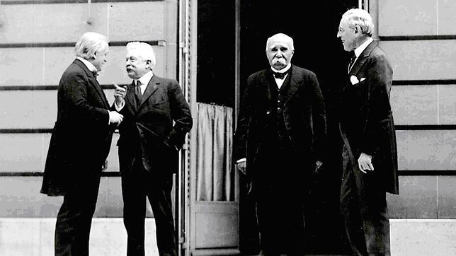 Los vencedores: Lloyd George (Reino Unido), Orlando (Italia), Clemenceau (Francia) y Wilson (EEUU)