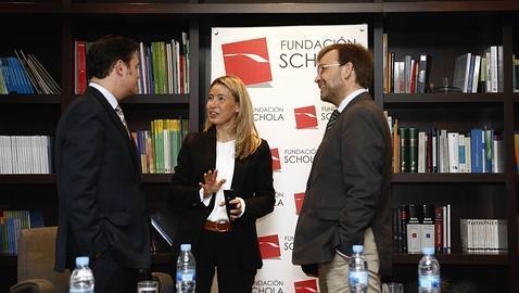 María Calvo en una charla organizada por la Fundación Schola