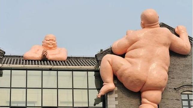 Las estatuas de dos Budas desnudos causan estupor en China