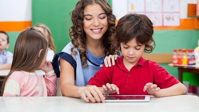 Francia quiere prohibir el wifi en guarderías y limitarlo en los colegios